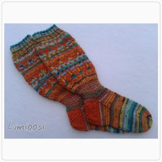 Lumioosi: Ohjeet kettusukkaan Wool Socks, Knitting Socks, Designer Socks, Knitting Patterns, Knitting Ideas, Knit Crochet, Hot, Crocheting, Tutorials