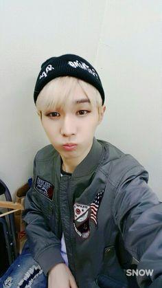 INX(인엑스) (@INX_Official) | Twitter Minhyuk, Bucket Hat, Baseball Hats, Kpop, Twitter, Fashion, Black People, Baseball Caps, Moda