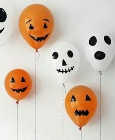 Halloween Balloons halloween halloween party halloween decorations halloween crafts halloween ideas diy halloween halloween pumpkins halloween party decor halloween ghosts kids halloween crafts by Halloween Infantil, Soirée Halloween, Creepy Halloween Decorations, Halloween Balloons, Adornos Halloween, Manualidades Halloween, Halloween Projects, Holidays Halloween, Halloween Treats
