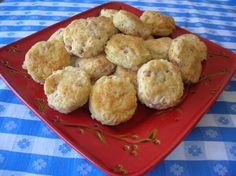 CHEESY GARLIC HAM BISCUITS
