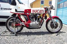 Ducati single cylinder 500 GP - at the backwheel and Moto Ducati, Ducati Motorcycles, Cafe Racer Bikes, Cafe Racer Motorcycle, Cafe Racers, Vintage Bikes, Vintage Motorcycles, Bike With Sidecar, Old Bikes