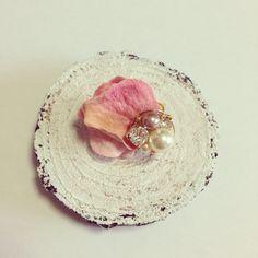 実り色花びらピアス