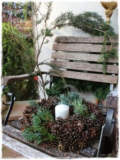 Christmas Deko similar great projects and ideas as presented in the picture findes . Christmas Window Boxes, Christmas Porch, Christmas Candles, Outdoor Christmas, Winter Christmas, Christmas Time, Christmas Wreaths, Christmas Decorations, Holiday Decor