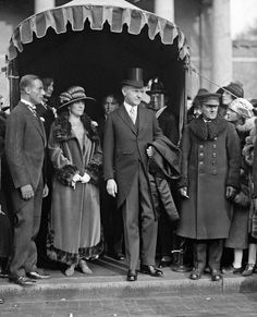 Grace Anna Goodhue Coolidge , wife of President Calvin Coolidge, was First Lady of the United States from By all accounts she was. Presidents Wives, Republican Presidents, Black Presidents, American Presidents, Us History, American History, Calvin Coolidge, John Calvin, The Twenties