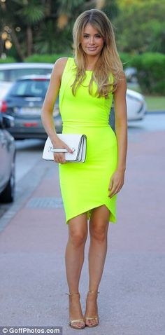 Chloe Sims #neon