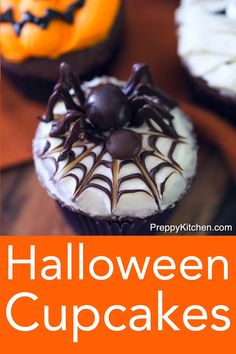 halloween desserts Perfectly spooky and delicious chocolate Halloween cupcakes from Preppy Kitchen decorated in five easy designs. Mummies, Frankensteins, skeletons, spiders and Jack O Lanterns will be adorning your table in no time! Halloween Desserts, Bolo Halloween, Postres Halloween, Recetas Halloween, Hallowen Food, Halloween Baking, Halloween Goodies, Halloween Food For Party, Holiday Desserts