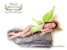 Fada verde dormindo