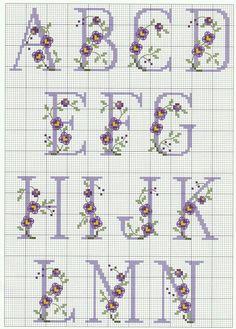Ricami e schemi a punto croce gratuiti: schemi punto croce gratis-alfab Cross Stitch Alphabet Patterns, Embroidery Alphabet, Cross Stitch Letters, Cross Stitch Flowers, Cross Stitch Charts, Ribbon Embroidery, Cross Stitch Designs, Cross Stitch Embroidery, Stitch Patterns