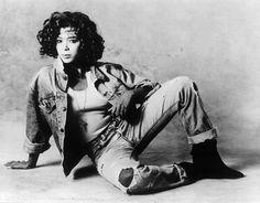 18 de marzo – Hoy celebramos el cumpleaños de Irene Cara conocida por actuar en la película Fama del año 1980