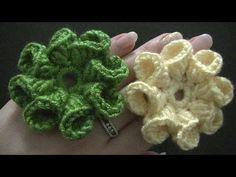 ▶ Blume häkeln - 8 Blätter - 3D Blume - TEIL 1 von 2 - YouTube