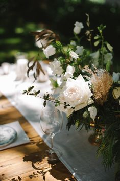 Whimsical Wedding Inspiration   Natte Valleij - KADOU Whimsical Wedding Inspiration, Wedding Table Flowers, Delft, Beautiful Bride, Romantic, Table Decorations, Rose, Green, Pink