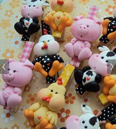 .. Craft Stick Crafts, Clay Crafts, Diy And Crafts, Crafts For Kids, Polymer Clay Animals, Fimo Clay, Fondant Figures, Clay Figures, Clay Magnets