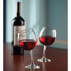 The Mirthful Sommelier's Wine Glasses - Hammacher Schlemmer