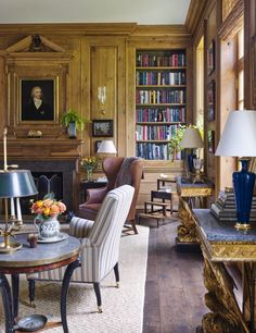 Birmingham house of James F. Carter, as featured in Veranda (March/April 2016), via Habitually Chic (25 January 2017). Jane Hawkins Hoke helped with interiors.