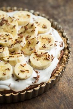 Banoffee Pie from My New Roots — Oh She Glows - Banoffee Pie Vegan, gluten-free, refined sugar-free, soy-free Gluten Free Desserts, Vegan Desserts, Just Desserts, Delicious Desserts, Dessert Recipes, Healthier Desserts, Pie Recipes, Pie Dessert, Baking Recipes