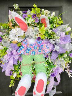 Easter Wreath, Easter Bunny Wreath, Easter Wreath For Front Door, Sassy Doors Wreath, Bunny Butt Wreath Easter Peeps, Easter Bunny, Spring Front Door Wreaths, Spring Wreaths, Material Flowers, Floral Hoops, Diy Wreath, Grapevine Wreath, Easter Wreaths