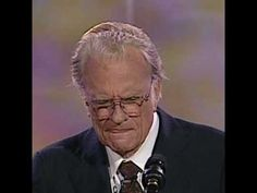 This is The Sinner's Prayer by Billy Graham. 44 seconds that WILL change your Life! Billy Graham Sermons, Billy Graham Family, Billy Graham Quotes, Rev Billy Graham, Anne Graham, Bill Graham, Prayer Verses, Bible Prayers, Jesus Is Lord