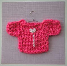 DIY: Mini-villapaita kortti / Knit mini sweater with initial greeting card