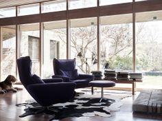 Wonderful swivel armchairs in yellow brick villa from the 60´s, design Dysign photo Marcus Lawett