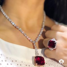 """Karen Suen Fine Jewellery (@karensuenfinejewellery) on Instagram: Rubellite set of necklace and from our latest collection of """"Dream Red"""" #KarenSuenFineJewellery #Designer #BespokeJewels #PreciousStones #FineJewelry #JewelleryDesigner #ColorGemstone #HauteJoaillerie"""