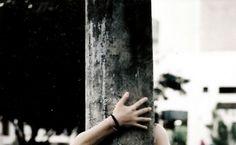Me abraça, me deseja, me adora. Um mundo de tentações