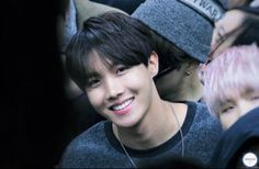 Idk why, but this will forever be my favorite photo of Jung Hoseok❤❤