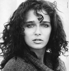 "Képtalálat a következőre: ""valeria golino. Ya, it means my Legs go All the way up Topper! Carlo Ponti, Jeanne Moreau, Charlie Sheen, Italian Women, Italian Beauty, Tom Cruise, Rain Man, Looks Black, Black And White"
