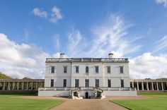 In celebration of its anniversary in the Queen's House in Greenwich, London, which was designed by renowned English architect Inigo Jones, is set to reopen next year after a major renovation. Anne Of Denmark, Greenwich London, Greenwich Palace, Le Siecle, Schools In London, Royal Residence, Elizabeth I, Beautiful Buildings, Britain