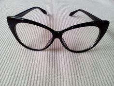 Gafas Retro sin graduar. http://sondemar.tictail.com/products/sunglasses