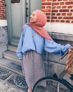 a mess - Prom Dresses Design Modern Hijab Fashion, Street Hijab Fashion, Hijab Fashion Inspiration, Muslim Fashion, Fashion Outfits, Modest Fashion, Women's Fashion, Modele Hijab, Hijab Fashionista