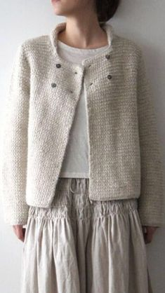 knitting Simple knitted cardigan for beginners Einfache Strickjacke fr Anfnger Source Beginners guide to crochet part Beginner crochet littoral. FREE crochet tutorial with wookbook. Love Knitting, Easy Knitting, Knitting For Beginners, Knitting Patterns, Knitting Wool, Stitch Patterns, Mode Kimono, Knitted Blankets, Knitted Shawls