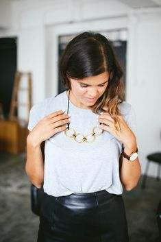 We love this fashion-forward (and super easy!) #DIY statement necklace by @apairandaspare.