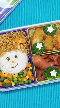 Bekal sehat untuk kita semua, praktis dan cocok untuk dibawa anakmu, adikmu ataupun keponakanmu ke s Bento Recipes, Cooking Recipes, Drink Recipes, Cute Food, Yummy Food, Bento Kids, Eat This, Lunch Snacks, Indonesian Food