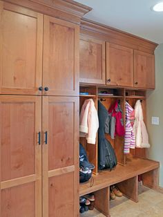 Mudroom closet organization ideas with wooden storage lockers and shelves for magazines on top of the coat hanging hooks. Also plenty of storage in the top storage lockers. Mudroom Laundry Room, Laundry Room Design, Mudroom Cabinets, Alder Cabinets, Large Cabinets, Kitchen Cabinets, Armoire, Shoe Cubby, Brown Co