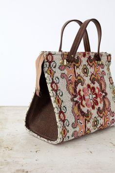 Vintage Carpet Bag / 1960s Handbag