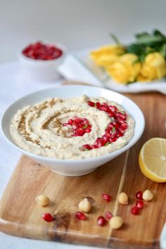CLASSIC GARLIC & LEMON HUMMUS » a healthy twist to the classic hummus... ready in under 5 minutes {plant-based, vegan, gluten free}