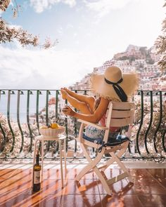 Path Of The Gods, Travel Pose, Travel Goals, Southern Curls And Pearls, Positano Italy, Foto Pose, Travel Aesthetic, Amalfi Coast, Best Vacations