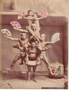 """That notation says Acrobatic Performers"""", but I am sure that it used to say Antique Photos, Vintage Photos, Old Pictures, Old Photos, Japanese Lifestyle, Fundoshi, Maurice, Vintage Circus, Fairy Land"""