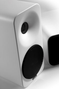 10 Most Beautiful Speakers You Want to Hide Speakers for your home audio system come in many shapes and sizes, some more decor-friendly than others. Here are 10 speaker designs that make listening a visually inviting experience. Just remember, a Multimedia Speakers, Audiophile Speakers, Best Speakers, Bookshelf Speakers, Hifi Audio, Wireless Speakers, Monitor Speakers, Car Audio, Audio Design