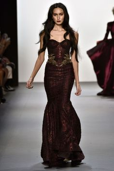 Michael Costello R Spring 2017 Couture Fashion, Runway Fashion, Fashion Show, Beautiful Gowns, Beautiful Outfits, Evening Dresses, Prom Dresses, Teen Dresses, Midi Dresses