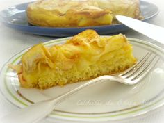 Apple and cream cake  http://www.caldeiraodabruxasolar.com/2013/02/bolo-de-creme-e-macas.html