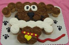 Dog cupcake cakethese are the best pull-apart cake ideas! Cupcakes Design, Dog Cupcakes, Cupcake Cookies, Cupcake Cake Designs, Pull Apart Cupcake Cake, Pull Apart Cake, Cupcake Torte, Puppy Cake, Cupcake Recipes