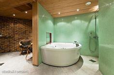 Huge hot tub!