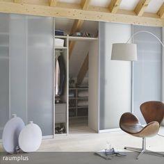 Begehbarer kleiderschrank dachschräge vorhang  Wohnen unter der Dachschräge | Sweet Home | Dachschräge ...