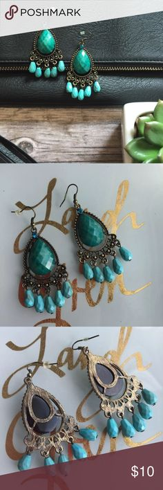 🆕 Dangle Statement Earrings Excellent condition Jewelry Earrings