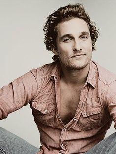Matthew McConaughey es Oscar (Dr. Payaso-Agobio) en la novela de Megan Maxwell: Fué un beso tonto.