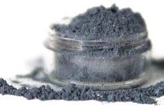 Love this mineral make-up.