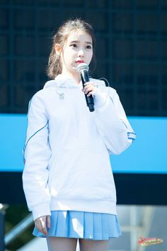 Kpop Girl Groups, Kpop Girls, Warner Music, Ailee, Girl Next Door, Famous Women, Celebs, Celebrities, Korean Singer