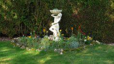 Statue de Vénus avec coquillage:   http://meduse-art.com/statue-venus-avec-coquillage.html
