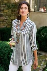 Aruba Pullover - Floral Top, Paisley Top, Womens Striped Button Up Kurta Designs, Blouse Designs, Modest Fashion, Fashion Dresses, Fashion Shirts, Casual Wear, Casual Outfits, Casual Tops, Indian Designer Wear